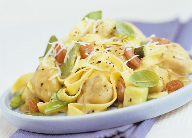 Creamy Chicken and Vegetable Fettuccini