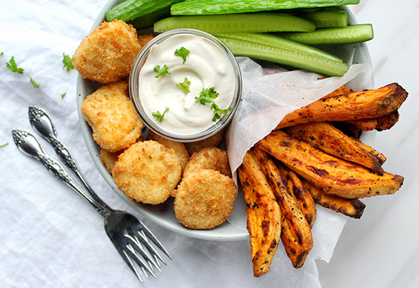 Chicken Nuggets with Sweet Potato Wedges and Garlic Yoghurt Sauce