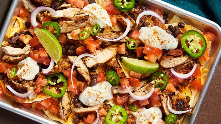 Nachos au poulet à la jamaïcaine